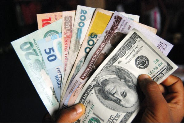 Naira remains stable at parallel market, exchanges for N367/1$