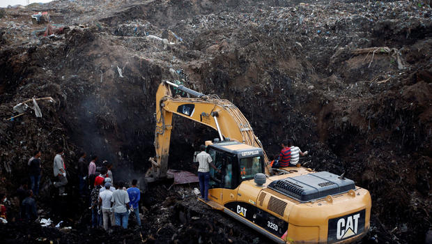 Panic as 14 people are trapped in mining pit in Ghana
