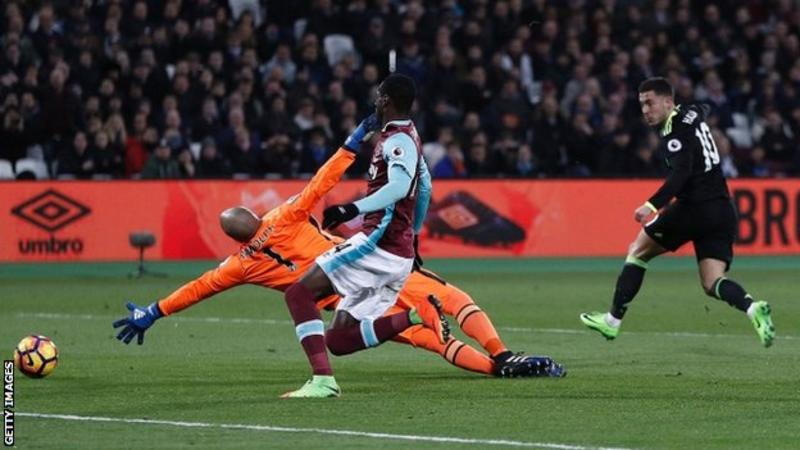Chelsea beat Hammers to go 10 points clear