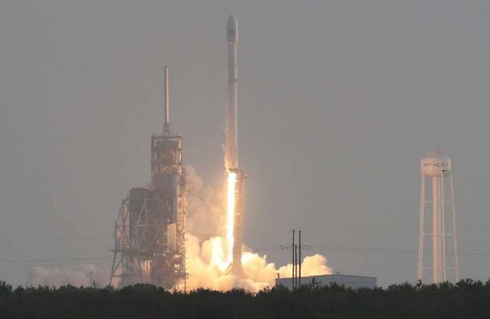 ImageFile: SpaceX makes first US military launch, then lands rocket again