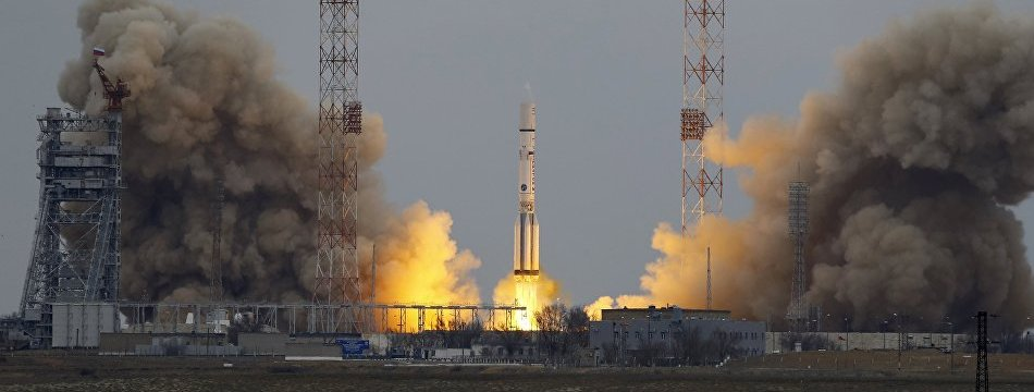 ImageFile: Russia launches Proton rocket with U.S. satellite