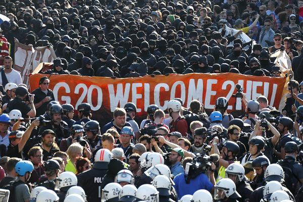 Protesters clash with police outside G-20 summit