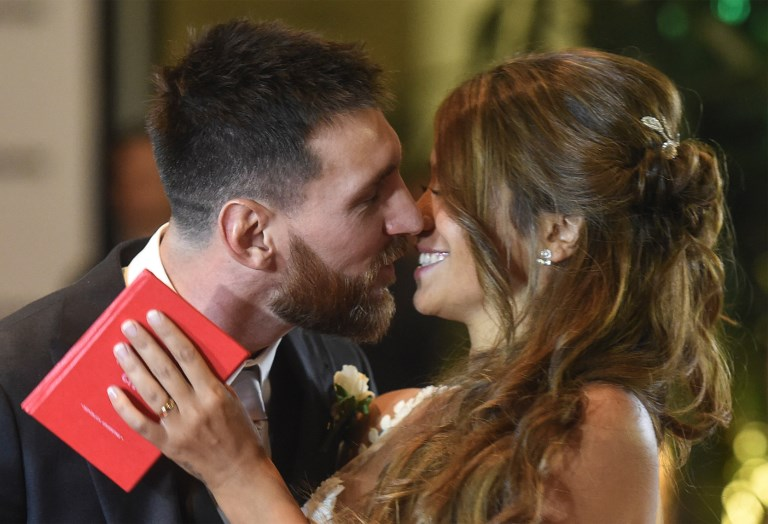 Photonews: Gathering of stars as Barcelona star, Messi weds childhood sweetheart
